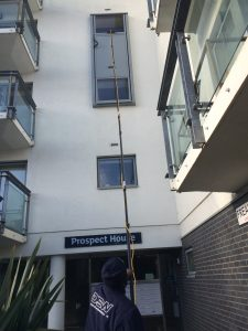 Gutter cleaner london gutter cleaning