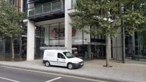 London commercial Window cleaner