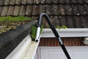 unblock gutters gutter cleaning london www.dswcleaning.com